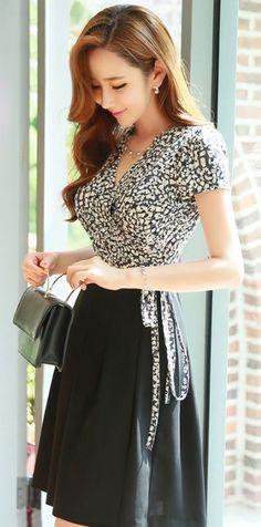 StyleOnme_Speckle Print Pleated Wrap Dress