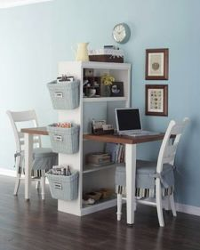 Great desk idea for small spaces. Wonder if I could make this work in the kitchen?? Need to show Brian!