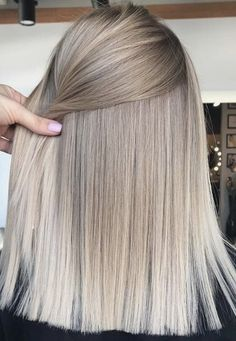 New Absolutely Free Balayage Hair cobrizo Ideas Your are known for man… – Balayage Haare Blonde Hair Looks, Ash Blonde Hair, Bob Hairstyles For Fine Hair, Pretty Hairstyles, Headband Hairstyles, Hair Color Balayage, Hair Highlights, Copper Balayage, Balayage Bob