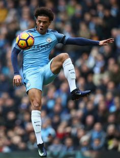 Leroy Sane of Manchester City in action during the Premier League match between Manchester City and Chelsea at Etihad Stadium on December 3, 2016 in Manchester, England.