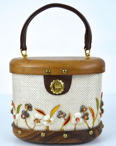 Bags by Whidby raffia Sea Snail Shell Oval Purse Flower Vtg Wood Base
