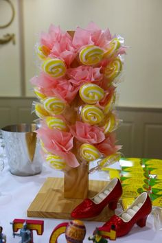 Wizard of Oz Party- this gorgeous Oz tastic party is by Sweetpickings Candy Buffets Fun Party Themes, Birthday Party Themes, Party Ideas, Birthday Ideas, Clear Glass Ornaments, Rainbow Jelly, Yellow Theme, Candy Crafts, Rainbow Wedding