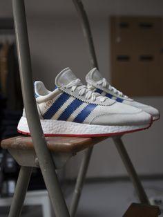 5bed55836 Retro sneakers Iniki by Adidas originals.