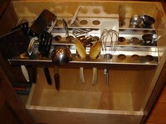 Tell me about your favorite cabinet insert or storage solution - Kitchens Forum - GardenWeb