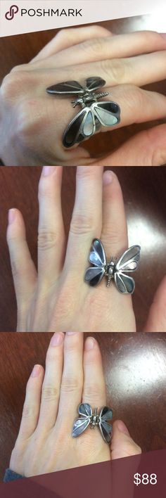 Hinged Wings Inlaid 925 Silver MOP Butterfly Mother of pearl abalone Sea Shell butterfly ring. The wings actually move up and down. Artisan. Handmade. Vintage Jewelry Rings