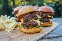 The Kitchenista Diaries: Homemade Cheeseburger Sliders, Two Ways
