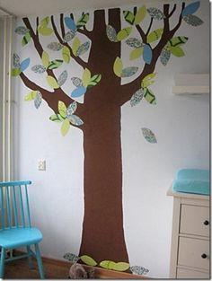 Dicas da Vila do Artesão - Árvore pintada na parede em decoração de quarto infantil