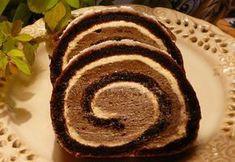 Pokud se Vám nechce dlouho stát v kuchyni a připravovat náročné zákusky, připravte si jednoduchou a chutnou sametovou roládu. Dovnitř můžete vložit i banán a bude to hotová delikatesa. Cookie Dough Brownies, Brownie Cake, Swiss Roll Cakes, Albanian Recipes, Cake Roll Recipes, Czech Recipes, Rolls Recipe, Gluten Free Baking, Christmas Baking