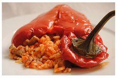 tuteloguisas.com - Arroz al saco (pimientos rellenos) Esta receta la he  cocinado pero,con atún de lata, y esta muy rica, con carne debe estar igual de rica