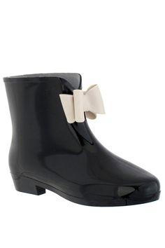Bow Rain Boots / Cappelli $25