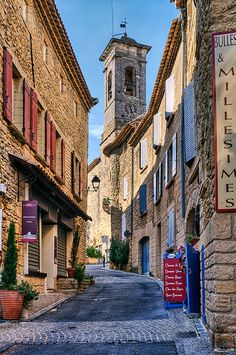 Street in Châteauneuf du Pape | Flickr - Photo Sharing!