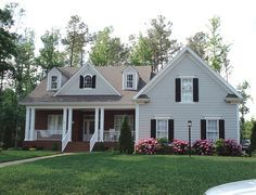 Country House Plan with 2211 Square Feet and 4 Bedrooms from Dream Home Source | House Plan Code DHSW36209
