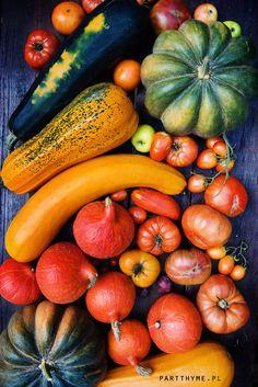 """Kolorami jesień się zaczyna - wrześniowe zbiory: dynia Muscat de Provence, Hokkaido, dwie odmiany cukinii odłożone """"na nasiona"""" i pomidory. / Colours of the fall - vegetables from my #garden"""