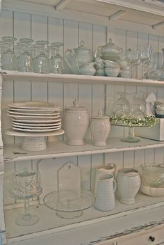 Dish Display, China Display, China Cabinet Decor, Cozinha Shabby Chic, Crystal Glassware, White Dishes, Repurposed Furniture, Decoration, Home Kitchens