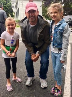 Steve with fans in 2017 Steve Carell, That's What She Said, Fans, Fashion, Moda, Fashion Styles, Fashion Illustrations