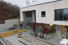 【スライドショー】韓国ソウルから50キロの高級住宅区にある寝室4部屋の邸宅 - WSJ.com
