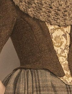 Outlander wardrobe details. Love the costumes.....especially the scarf.