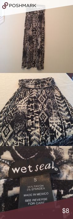 Wet Seal maxi skirt Wet Seal cream and black maxi in tribal print. Very soft and stretchy!  Normal wear. No flaws or damage. Smoke free home. Wet Seal Skirts Maxi