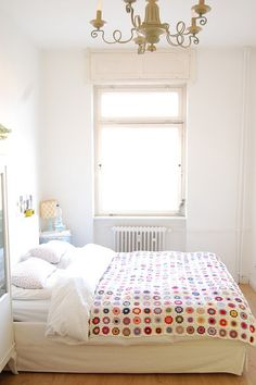 442 granny squares crocheted to make this blanket by Kathrin (whereyourheartis) via Flickr.