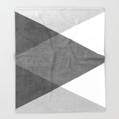 black and white triangles Throw Blanket