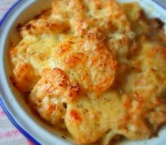 Potato, Cauliflower and Cheese Bake. Deliciously different than the usually creamy-sauced potato bake.  This is fabulous and very easy to make.