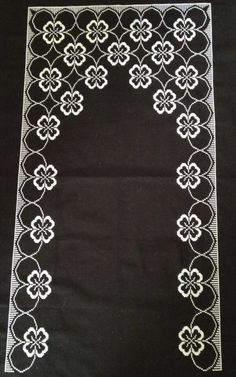 This Pin was discovered by Şen Embroidery Patterns, Hand Embroidery, Sewing Patterns, Islamic Art Pattern, Pattern Art, Cross Stitch Designs, Cross Stitch Patterns, Mantel Azul, Cross Stitch Boards