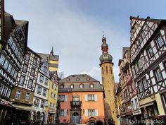 lady in black: Cochem castle #travelblogger #travel #traveleurope #europe #westerneurope #blogging #lifestyleblogger #lifestyle #germany #placestogo #visitgermany #cochem #cochemcastle #picoftheday #historicaltown #castlesofgermany #castlesineurope #castle