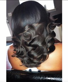 Flawless curls via @dommiecole  Read the article here - http://www.blackhairinformation.com/hairstyle-gallery/flawless-curls-via-dommiecole/