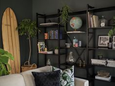 Lundia Adjustable shelving in Black Lacquer