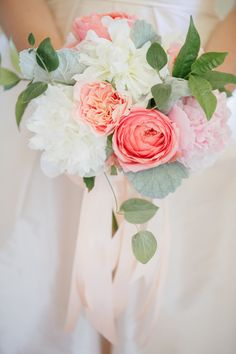 Peach and white bouquet: http://www.stylemepretty.com/little-black-book-blog/2014/10/30/charming-private-estate-wedding-in-sonoma/ | Photography: Allyson Wiley - http://www.allysonwiley.com/