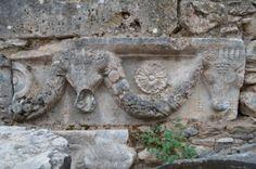 Greek-Asian heavish decorative style