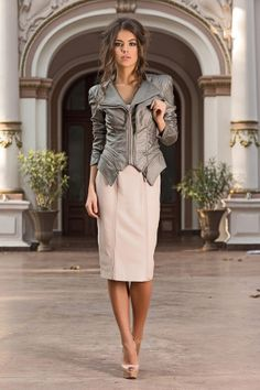 The Sculptural Bronze by Vero Milano is a luxury leather jacket that can be dressed up or down. Bronze gives a new look to the classic leather jacket. Classic Leather Jacket, Night Looks, Fashion Essentials, Office Outfits, Jacket Style, Classic Looks, Leather Fashion, Evening Dresses, Dress Up