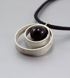 Texturized Sterling Silver Pendant Black Onyx by mariagotijoyas, €52.00