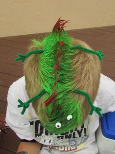 Lizard hair idea for kids crazy hair day at school. Crazy Hair Day Boy, Crazy Hair For Kids, Crazy Hair Day At School, Hat Hairstyles, Hairstyles For School, Pretty Hairstyles, Crazy Hats, Crazy Socks, Wacky Hair Days