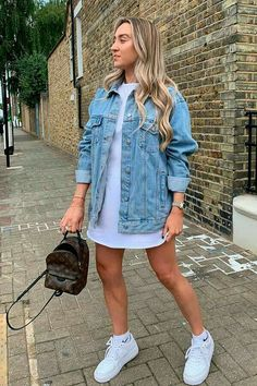 Denim Jacket Outfit Summer, Oversized Denim Jacket Outfit, Denim Jacket With Dress, Mode Outfits, Fall Outfits, Summer Outfits, Fashion Outfits, Denim Outfits, Dress Outfits