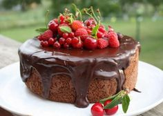 Pavlova, Sweet Desserts, Lchf, Cheesecake, Food And Drink, Gluten Free, Pudding, Yummy Food, Meals