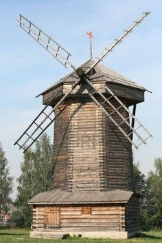 Moulin à vent en Russie Souzdal ---- (Via Margreet Huizing)