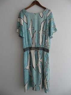 Vintage clothing & textiles from Mina Perhonen. A brand of 'good natural  taste' (thank you google translate)! I couldn't agree more. Wallow in  similarly lovely images and try navigating Japanese Kanji here. HF.