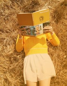 """! Books + yollow= LIFE"