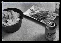 Guacamole, totopos, y una cerveza ...