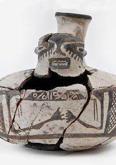 Jarro pato Terracota, Chile, Concept Art, Decor, Vases, Black Painting, Foot Prints, Rocks, Porcelain