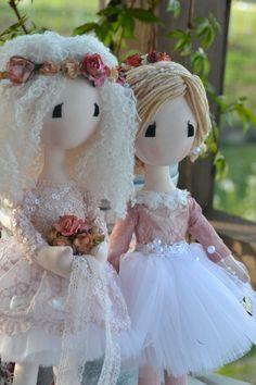 Lisa Dolls Girls Dresses, Flower Girl Dresses, Lisa, Dolls, Christmas Ornaments, Holiday Decor, Wedding Dresses, Flowers, Handmade