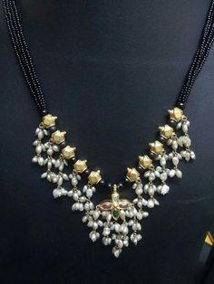 Different Style Black Dori Necklaces - Jewellery Designs Gold Jewellery Design, Bead Jewellery, Pendant Jewelry, Beaded Jewelry, Emerald Jewelry, Silver Jewelry, Gold Jewelry Simple, Collor, Jewelry Patterns