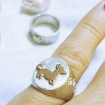 Anello chevalier in argento e oro. #anello #ring #rings #anelli #gold #silver #argento #oro #cucciolo #cagnolino #cane #gatto #gattino #kitten #cat #zampe #zampette #orme #fattoamano #handmade @depopmarket