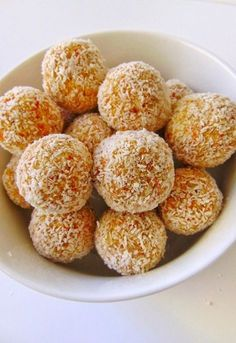 Sugar-free coconut and carrot balls, Food And Drinks, sugar-free coconut and carrot balls recipe Easy Cookie Recipes, Raw Food Recipes, Sweet Recipes, Cooking Recipes, Healthy Recipes, Gluten Free Desserts, Healthy Desserts, Tortas Light, Kefir