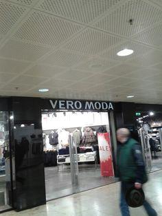 Vero moda, simpel, bekend maar toch een stoere uitstraling.