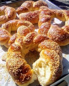 Homemade Dinner Rolls, Bread Appetizers, Greek Cooking, Breakfast Snacks, Greek Recipes, No Bake Cake, Food To Make, Cake Recipes, Bakery