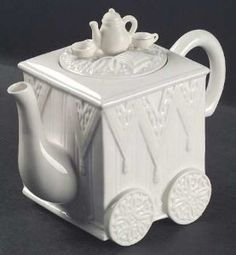 Amazon.com: Lenox China Butler'S Pantry Tea Pot and Lid-Figurine, Fine China Dinnerware: Kitchen & Dining