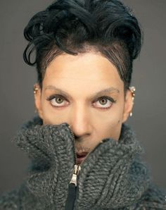 Never seen this pic .look into those lovely eyes Prince Images, Photos Of Prince, Mavis Staples, Sheila E, Prince And Mayte, My Prince, Prince Org, Prince Rogers Nelson, Lovely Eyes