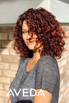 NEW Aveda products for your curly hair routine - Hair Loss Treatment Dark Curly Hair, Colored Curly Hair, Curly Hair Care, Hair Care Oil, Curly Hair Styles, Color For Curly Hair, Hair Color, Frizzy Hair, Natural Hair Tips